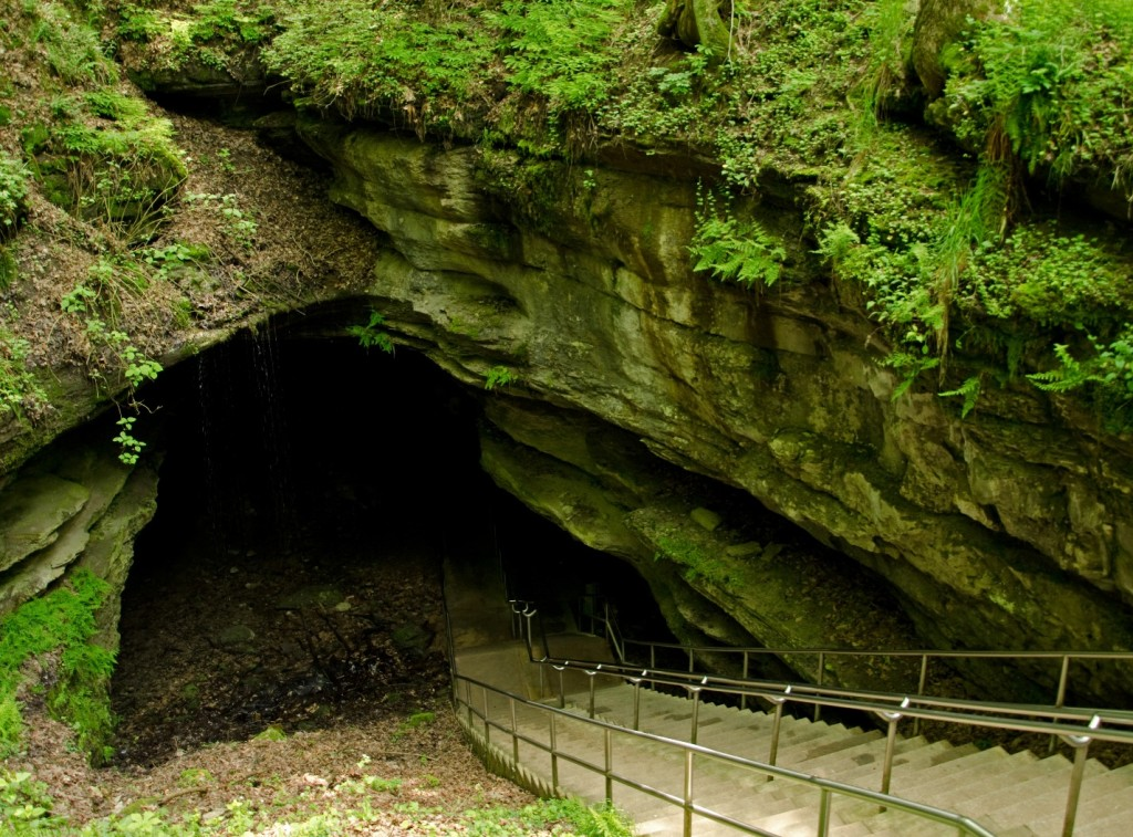 mammoth-cave entrance